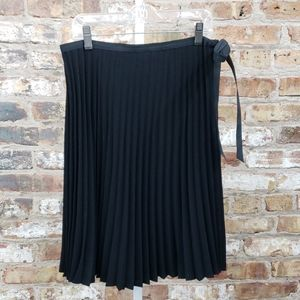 BCBG MaxAzria black pleated skirt